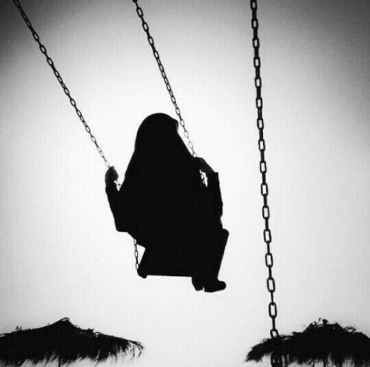 لن افكر بخلع عبائتي في الرحلات فهي جزء من كياني ووجودي فانا لا اكون انا الا بها Human Silhouette Image Beautiful