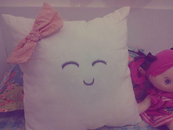 Almofada Customizada carinha feliz!