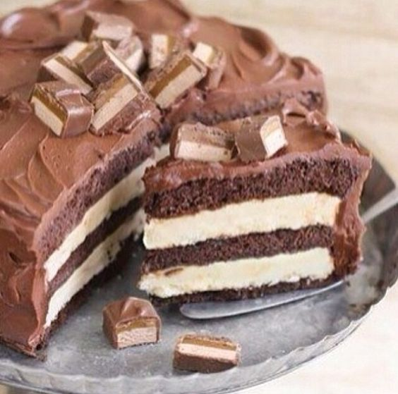 Many layers choloate cake
