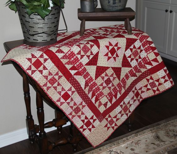 Red Crinoline Quilts: Pre-Market Busy-ness
