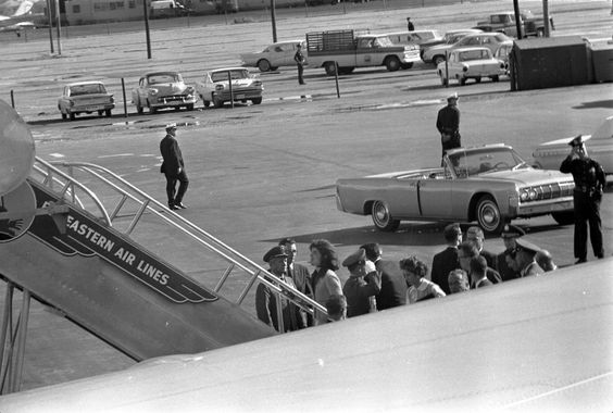 ST-527-14-63. First Lady Jacqueline Kennedy Boards Air Force One at Love Field - John F. Kennedy Presidential Library & Museum
