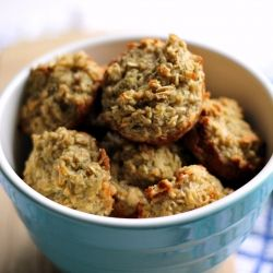 healthy oatmeal zucchini and apple muffins!