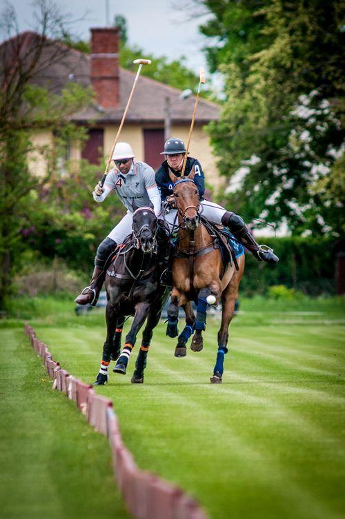 Montar a caballo deporte