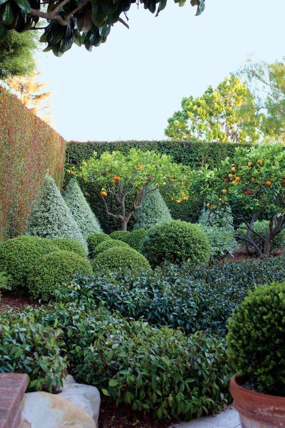 Un precioso jardín en Montecito, California.