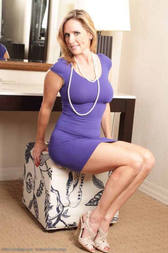 weskan milf women Daily updated mature women and milf galleries olderwomencom creators of auntjudyscom are glad to make you surprised with the new porn resource: older women presenting the steamiest and most electric 30+ erotic babes, we remind that as the saying goes: forty years old her tale is told, ladies of forty five start them again.