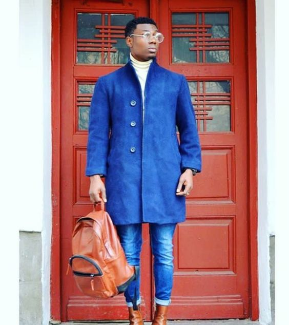 A touch of brown makes a difference👌🏾 @aweluv #blueonbluecombo #menswear #trends #trendy #Goldroundglasses #trends #style #stylish #mensoutfits #bagpack #fashion #fblogger #fashionista #fashionistas #mensfashion