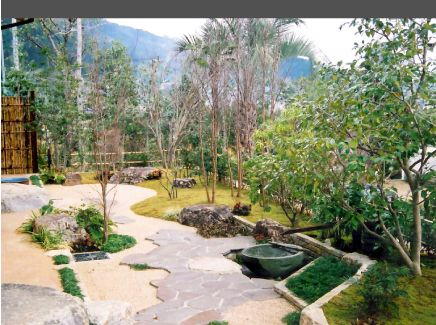 施工例…素朴で落ち着きのある自然風庭園