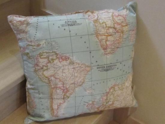 funda cojín mapamundi 50x50  tela tapiceria,cremallera 50cm cosido a máquina