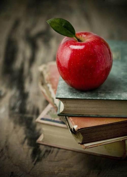 Картинка с тегом «books, apple, and fruit»