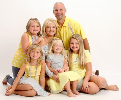 Posing families, Sacra...