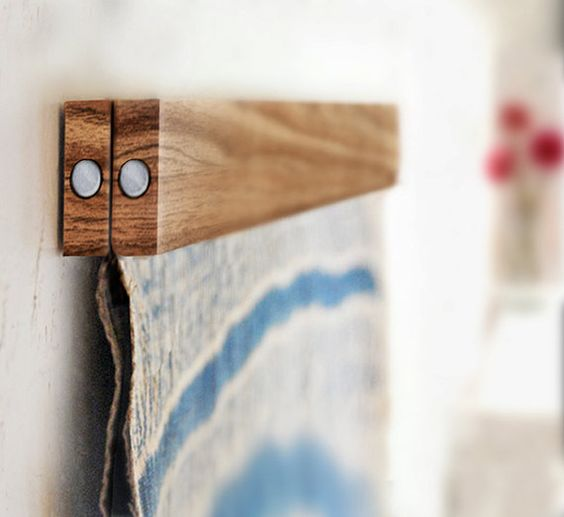 An ingenious idea for hanging things artfully.