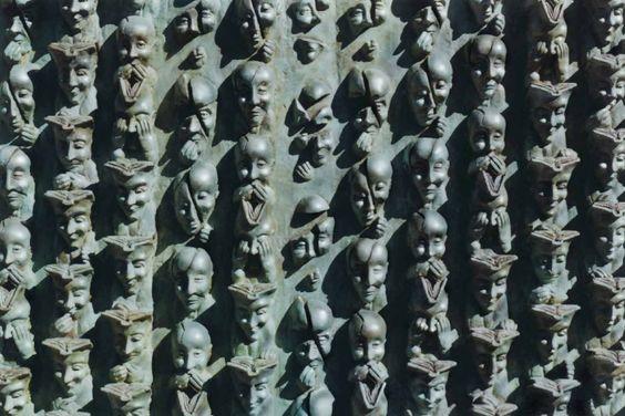 De-génération-en-génération sculpture de Bruce Krebs. La Rochelle. France