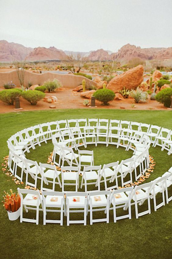 Alternative Ceremony Seating: during the ceremony, the bride and groom will be surrounded by their loved ones.