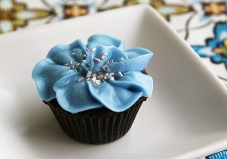Pansy Flower Cupcake Tutorial