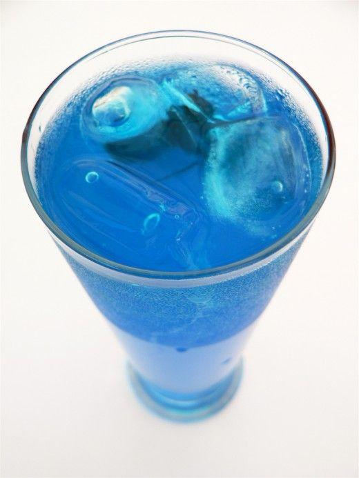 Blue summer mocktail virgin drink recipe summer for Non alcoholic beverages recipes