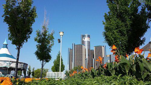 Rivard Plaza | Detroit Riverwalk