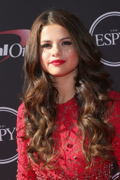 Selena does it well still. Love her hair