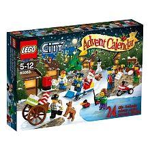 vec le Calendrier de l'Avent LEGO City, chaque jour avant Noël révéle une construction amusante ! Emmène la figurine du petit garçon poster sa lettre au Père Noël, construire un bonhomme de neige, visiter le marché de Noël et faire du patin à glace avec son ami. Joue avec un cadeau de Noël anticipé : un canard construit avec des briques LEGO. Aide la police à construire un formidable traîneau pour attraper le bandit qui a volé les cadeaux. Le moment est venu de faire la fête, en échangeant…