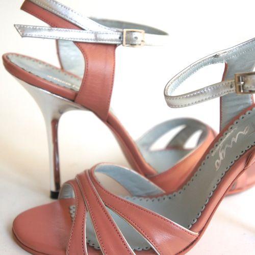 Neotango Shoes Size