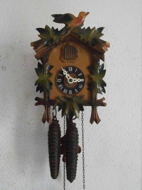 Reloj De Pared Mecánico Cuco Antiguo Alemán Con Péndulo Y