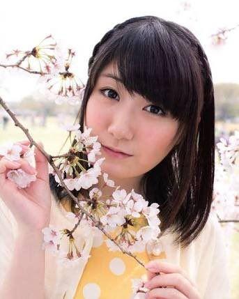 桜と日高里菜さん