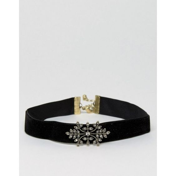 ASOS Filigree Choker Necklace (67 DKK) ❤ liked on Polyvore featuring jewelry, necklaces, antique gold, asos, jewel choker, choker necklaces, filigree necklace and filigree jewelry