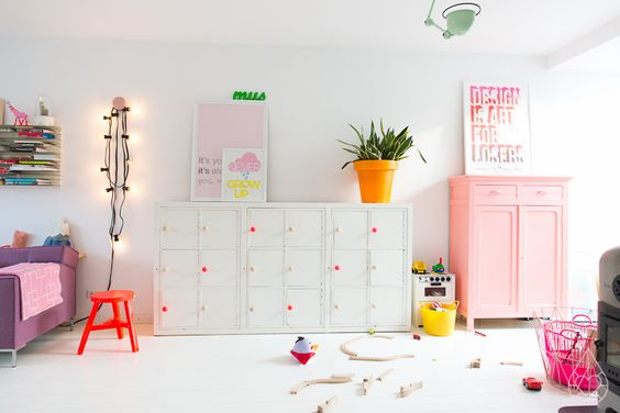 Girls room colours