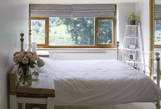 1930s bedroom revamped to create more light & more calm.