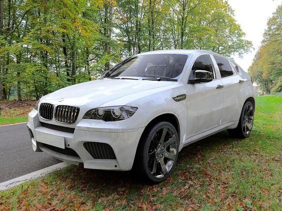 #visual #visualisierung #carrender #photorealism #c4d #cinema4d #BMW #BMWx6 #x6 #modelling #visualisierung #visualize #white #photography #photoshop by shs_visualize