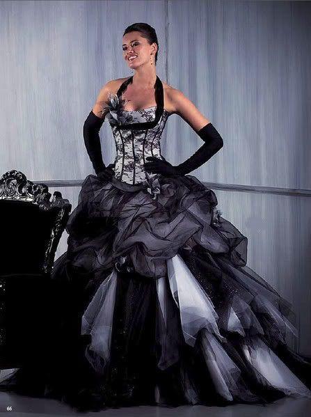 robe de mari e noir et blanche robes de mariee de couleur pinterest. Black Bedroom Furniture Sets. Home Design Ideas