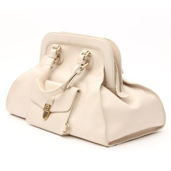 Traumhaft schöne Handtasche von Hugo Boss in Cremeweiß - aus echtem Leder!