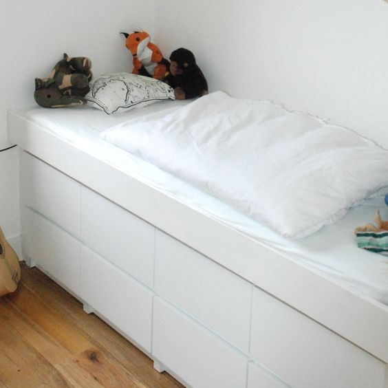 ikea hack bed made from malm drawers around the house pinterest ikea hacks drawers and beds. Black Bedroom Furniture Sets. Home Design Ideas