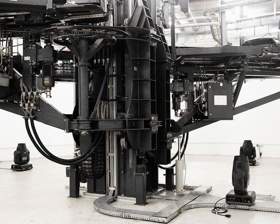 IndustrialDesigners.co    Benedict Redgrove  - Car Factory