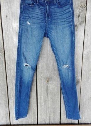Kup mój przedmiot na #vintedpl http://www.vinted.pl/damska-odziez/dzinsy/14258653-spodnie-rurki-jeans-dziury-hollister-must-have