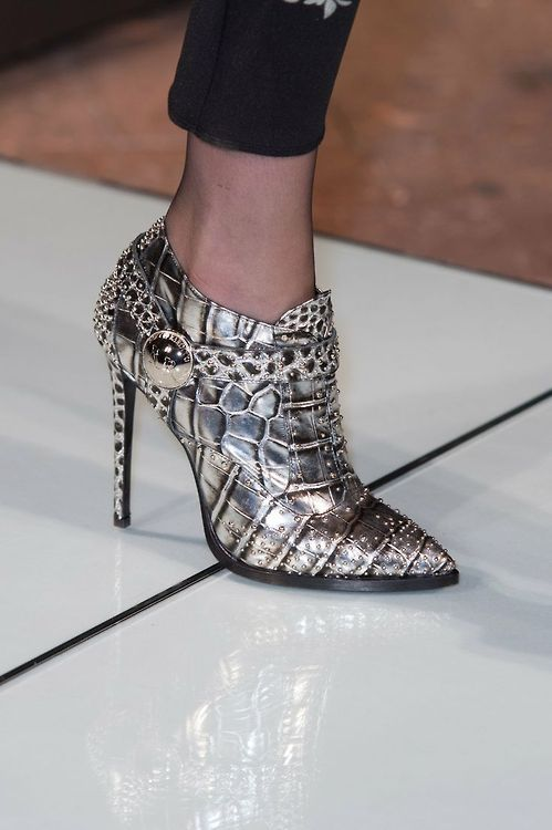Roccobarocco Silver Mirrow Style Ankle Boots Fall Winter 2014 #Shoes #Booties