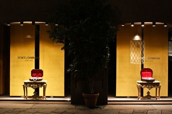 Dolce & Gabbana, Milão, outubro 2013 #varejo #retail #dolcegabbana #milão #milan #itália #italy #shopwindow #windows #vitrine #vm #visualmerchandising #retaildesign #store #loja