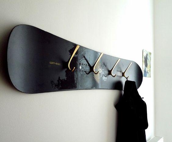 vintage snowboard wardrobe via wohnraumformer diy. Black Bedroom Furniture Sets. Home Design Ideas