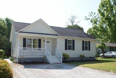 136 NE 4th St. Oak Island, NC 28465