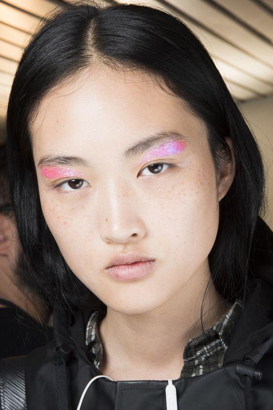 Giambattista Valli Spring 2016 Ready-to-Wear Fashion Show Beauty #cartonmagazine:
