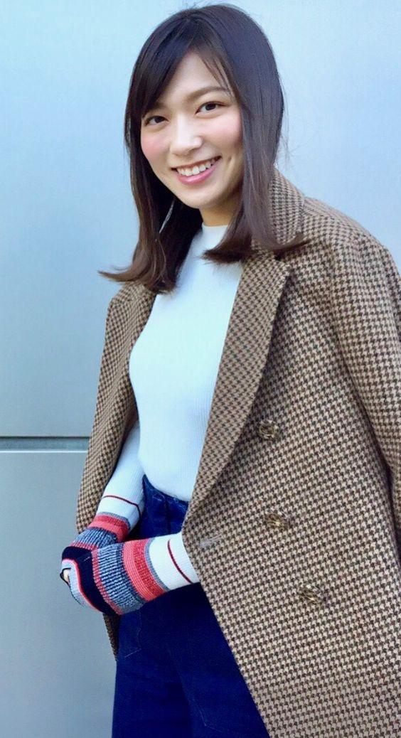 阿部華也子ロングコートがお洒落な私服
