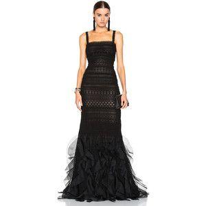 Oscar de la Renta Lace Gown