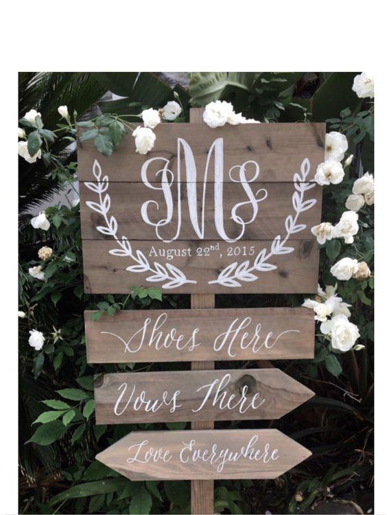 Panneau directionnel, ans bois, monogramme mariage pour un mariage de plage Acceuil des  # Panneau Directionnel Bois