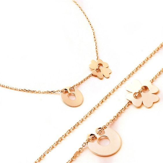 Small circle, clover solid 14k gold necklace. 16 inches 14k gold, circle, four…