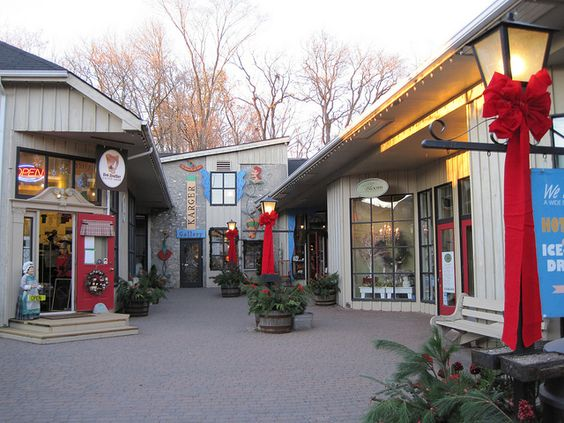 Elora shops, open for Christmas shopping - 45 Mill St. West, Elora ...