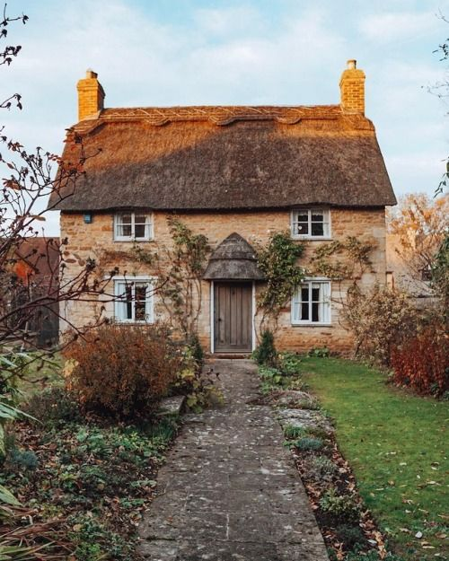 All The Sweet Prettiness Of Life Gorgeous Houses Dream Cottage English Country Cottages