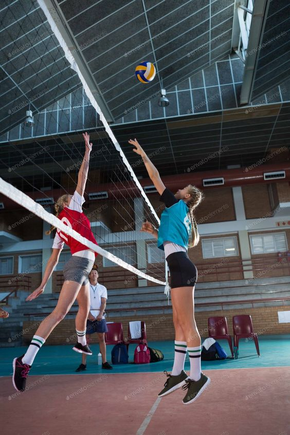 Female Players Playing Volleyball In The Court By Wavebreakmedia S Photos Ad Ad Players Female Playing Court