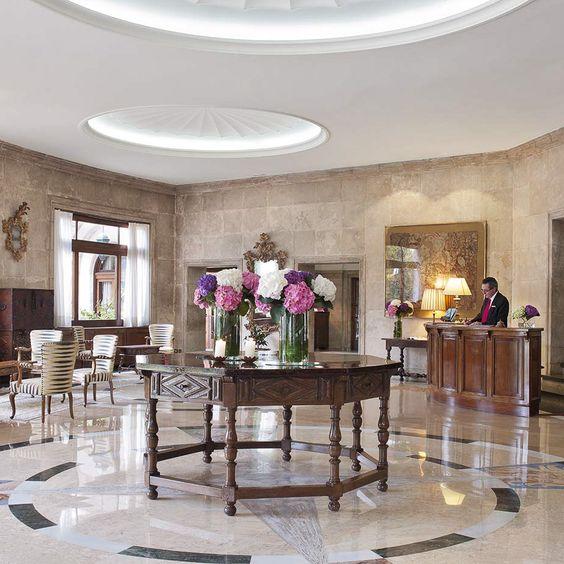 Lobby im Hotel La Gavina in S'Agaró Spanien | creme guides