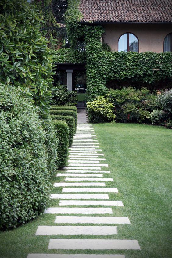 Gorgeous garden path...simple idea, but visually so interesting.