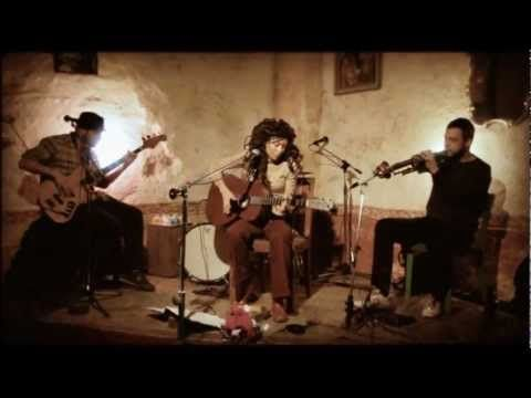 Dedicated to all the moms celebrating Mother's Day today in France: Valerie June - Workin Woman Blues