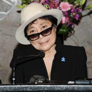Novo disco de Yoko Ono terá parceria com integrantes remanescentes do Beastie Boys: http://ow.ly/nTodF